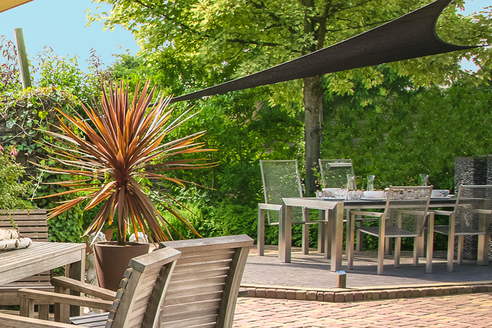 groes sonnensegel perfect luxus sonnensegel dreieck m sonnen und regenschutz terrasse creme. Black Bedroom Furniture Sets. Home Design Ideas